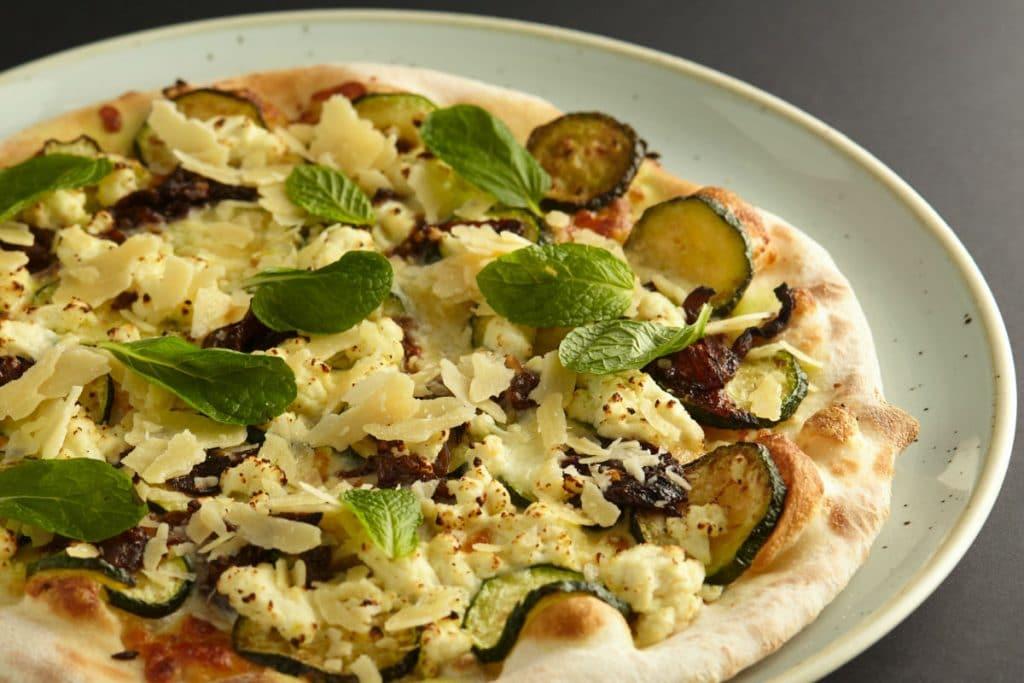 Can vegans still enjoy pizza?
