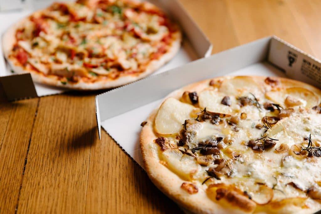 Patata pizza in box